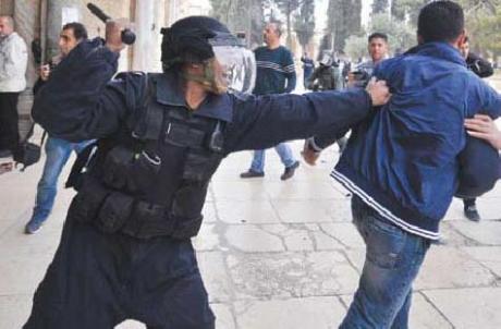 460_0___10000000_0_0_0_0_0_soldier_attacks_boy_alaqsa
