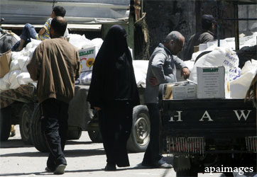 palestinians-aid-food-truck