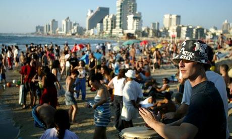 Israelis at the beach in Tel Aviv