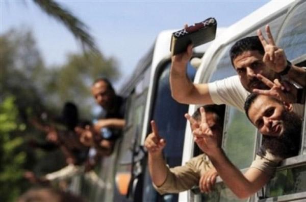 israel-releases-palestinian-prisoners