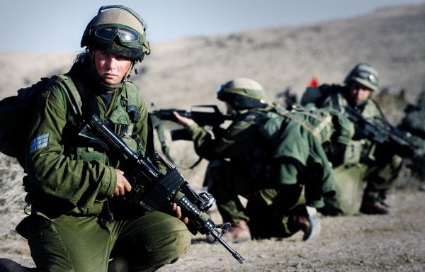 female-israeli-soldiers-training